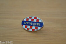 MOD - SCOOTER  - VESPA CHEQUER OVAL ENAMEL PIN BADGE . BRAND NEW