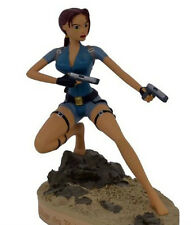 TOMB RAIDER - Figurine LARA CROFT Prague