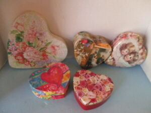 "VINTAGE LOT OF 5 HEART BOXES, 3=TIN, 2=CRAFT BOARD, FLORAL DESIGNS, 8"" TO 4.5"""