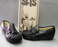 NEW Womens SAS Magic Size 6.5 Med. Black Leather slip on support & comfort shoe