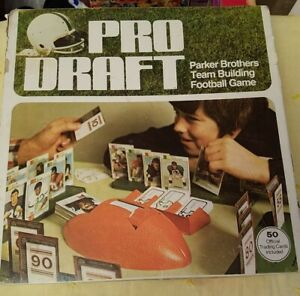 Vintage 1974 PRO DRAFT FOOTBALL Board Game Parker Brothers In Box