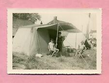 PHOTOGRAPHIE : JOIES DU CAMPING DES ANNEES 60 ! TENTE / CABANON / CANADIENNE
