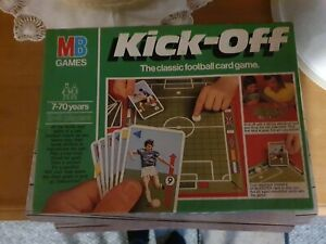 Vintage MB Games Kick-Off The Classic Football Card Game 1981 Complete