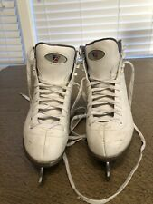 Girls size 2 Riedell Figure Ice Skates Kids Youth Ladies Model 13 Padded Comf