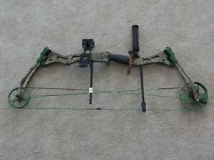 """BEAR Lights Out COMPOUND BOW right hand Draw Wt. 40-70 lbs Draw Length 25""""- 31"""""""