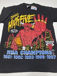 VINTAGE Chicago Bulls 1997 Champion High Five 5 Titles T Shirt SIZE LARGE NEW