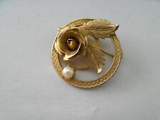 Vintage Gold Ton with Genuine Pearl Pin Brooch  F17