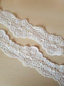 Französische elastische Spitzenborte,Spitze,lace creme,ivory,wollweiß 5cm breit