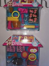 NEW LOT 4 COOK KITCHEN FURNITURES ACCESSSOIRES POUR  BARBIE 2010  NRFB