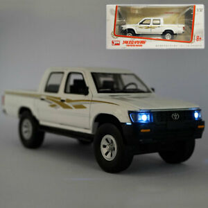 1/32 Toyota Hilux Pickup Truck Model Car Diecast Toy Vehicle Collection Kid Gift