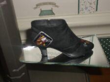 2000 -Just The Right Shoe Beverly Feldman Figurine-Queen Of Hearts-Box/Coa-