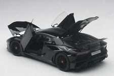 Autoart LAMBORGHINI AVENTADOR LP750-4 SV NERO ALDEBARAN/GLOSS BLACK  2015 1/18