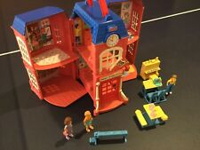 Vintage Fisher Price Loving Family Sweet Streets School House In Excellent Shape