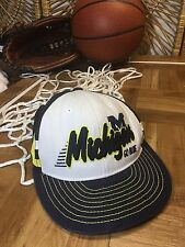 Vintage U OF M  MICHIGAN WOLVERINES MESH TRUCKER SNAPBACK MENS HAT CAP h15