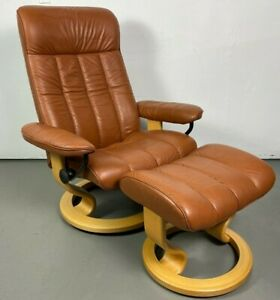 "Ekornes Stressless Leather Adjustable Recliner Chair Medium ""King"" Model"