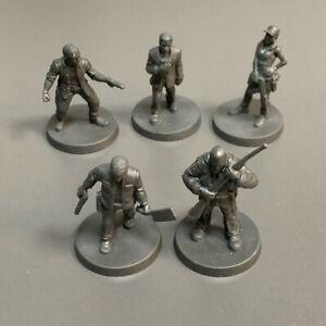 5X Survivors Hunter Miniature The Walking Dead All Out War Board Game Model TRPG