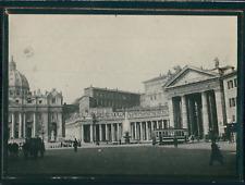 Italie, Rome, Place Saint-Pierre et un tramway , ca.1900, Vintage silver print V