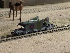 TRIX, WWII MILITARY WAGON WITH A HARICANE LOADED, SCALE N
