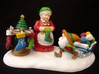 FabULoUs! CLAUS 56874 New North Pole Dept 56 MORE YARN FOR YOUR STOCKINGS MRS