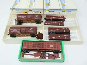 Lot Of 5 HO Walthers / Bowser PRR Pennsylvania Box Cars Stock Cars & Trailers