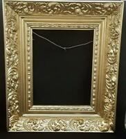 VICTORIAN-STYLE GOLDEN ANTIQUE FRAME