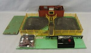 American Flyer S Scale #771 Operating Stockyard w/Controller & Cattle - Restore