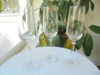 """Set of 3 High Quality Champagne Flutes 9"""" Tall"""