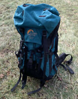 LOWE ALPINE Sirocco 70+15 Internal Frame Backpacking Pack Green/Black Size Small