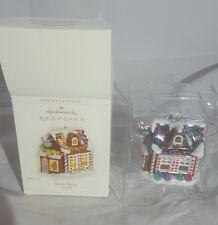 2006 Hallmark Keepsake Sweet Shop Noelville Ornament Gingerbread House Lights Up