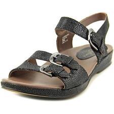 Calzado de mujer sandalias con tiras de color principal negro de charol