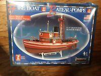 Fire Boat Bateau-Pompe Lindberg 1/72 Static Model Kit No. 77226