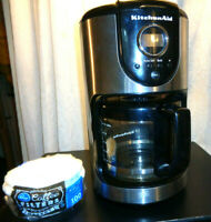 1 Kitchen Aid 12 cup Glass Carafe Coffee Maker