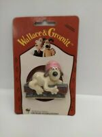 Vintage Wallace and Gromit Fridge Magnet Gromit On Train On Backing Card - New