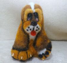 Ooak needle felted artist handcraft / handmade dog beagle hound animated