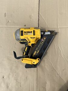 Dewalt DCN692N 18V XR Brushless Cordless Gasless Framing Nailer (Spares/Repair)