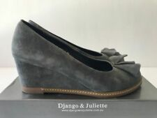 Django & Juliette Suede Med (1 in. to 2 3/4 in.) Shoes for Women