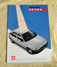 Vauxhall Mk2 Astra Starlight special edition brochure, May 1990