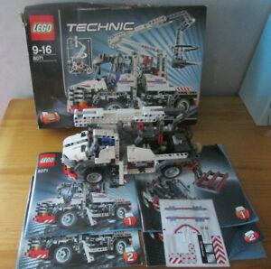 LEGO Technic 8071 Camion grue fenwick complet en boite avec notices