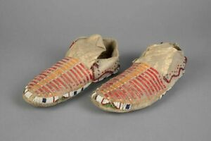 1890s PAIR NATIVE AMERICAN SIOUX INDIAN QUILL AND BEAD DECORATED HIDE MOCCASINS