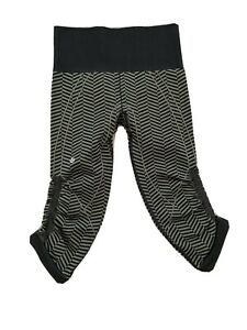 Lululemon Athletica 4 In the Flow Legging Pants Olive Green Black Crop EUC