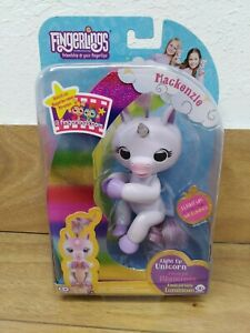Fingerlings Mackenzie The Light Up Unicorn