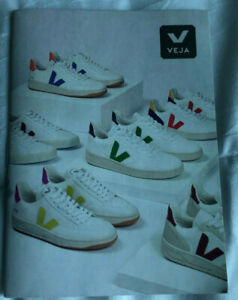 Brochure Booklet Veja - About Shoes Zapatos - 4 7/8x3 1/2in item For Collectors