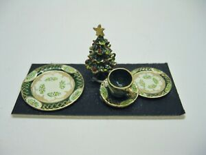Dollhouse Miniature Hand Painted Christmas Place Setting from England Green