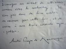 André Pieyre de Mandiargues accablé de travaux littéraires.