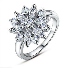 Gorgeous Woman's Flower Round Cut White Sapphire 925 Silver Ring Size 7