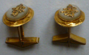 PAIR of 14 Karat Gold CUFF LINKS Chinese Design 6.6 gms in total