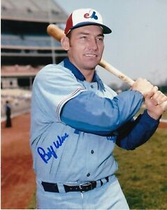 BOBBY WINE   MONTREAL EXPOS   ACTION SIGNED 8x10