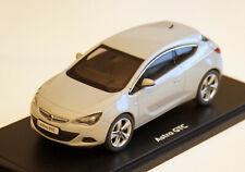 Opel Astra J GTC - Modell Bj. 2012-2018, M. 1:43, mineralweiß-metallic, neu OVP