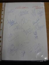 2000 Autographed A4 Page: Luton Town - Approx 19 Signatures Upon A Plain White P