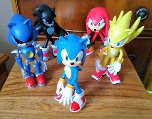 A great rare set of 5 Sonic Character Figures, size 12cm high, price £24.95p !